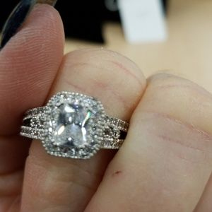 New cubic zirconia ring